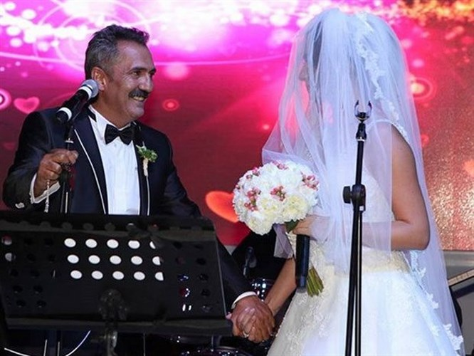 Yavuz Bingöl Öykü Gürman Evlendi!