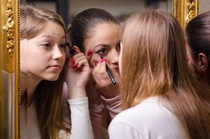 Kolay Eyeliner Çekmek İçin 22 İlginç Taktik