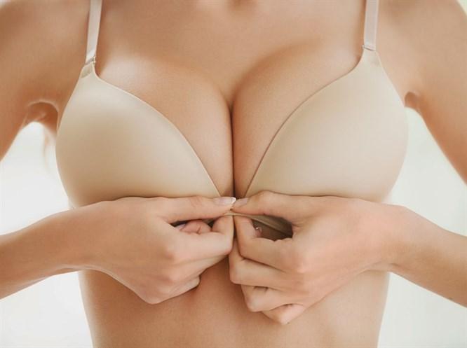 Göğüs Sarkmasını Doğal Yöntemlerle Önleyin!