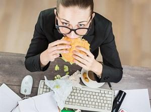 İş Yerinde Sağlıklı Beslenmenin 8 Yolu