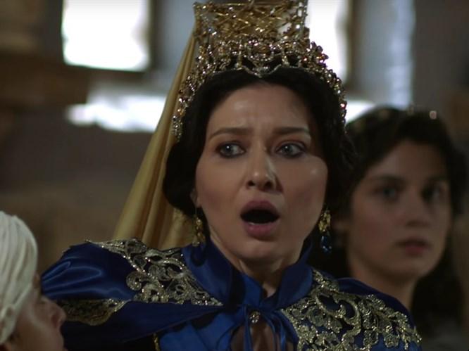 Muhteşem Yüzyıl: Kösem'de Şok Sahne! Kösem Bıçaklanıyor