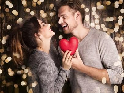 Astrolojiye Göre Sevgililer Günü Nasıl Geçecek?