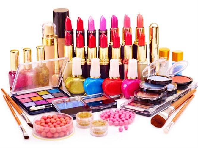 Sahte Makyaj Ürünleri Sağlığı Tehdit Ediyor!