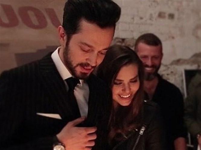 Aslı Enver'den Murat Boz'a Yeni Albüm Desteği