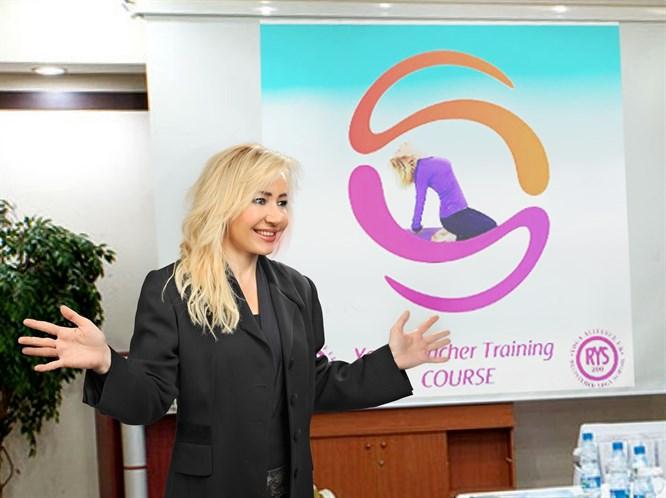 Yoga Eğitmeni Ve Kişisel Gelişim Uzmanı - Sibel Saraçoğlu