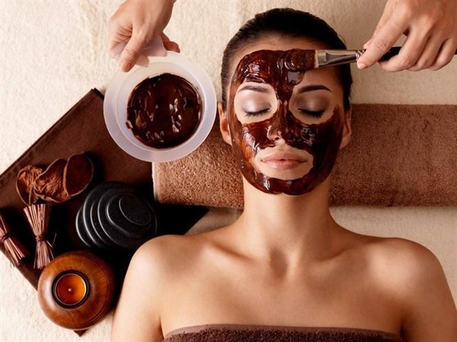 Pratik Bilgiler: Göz Altı Morlukları İçin Kahve Maskesi