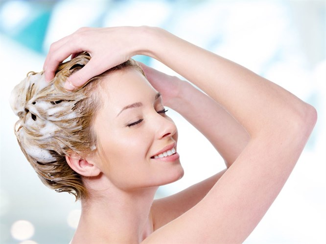 Pratik Bilgiler: Kuru Saçlar İçin Şampuan Yapımı