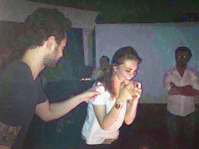 Murat Boz'dan Aslı Enver'e Romantik Kutlama