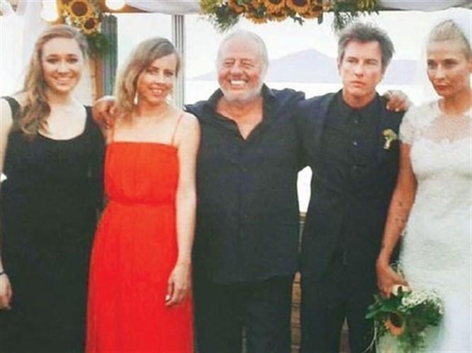 Duman Grubu Üyesi Batuhan Mutlugil Evlendi!