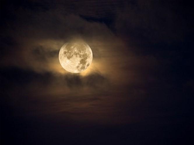 Balık Burcundaki Ay Tutulması Burcunuzu Nasıl Etkileyecek?