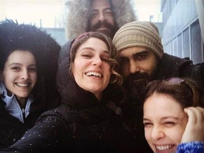 Caner Cindoruk ve Farah Zeynep Abdullah'ın Set Aşkı