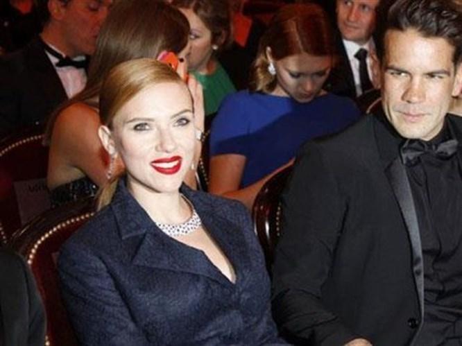Scarlett Johansson Boşandı!