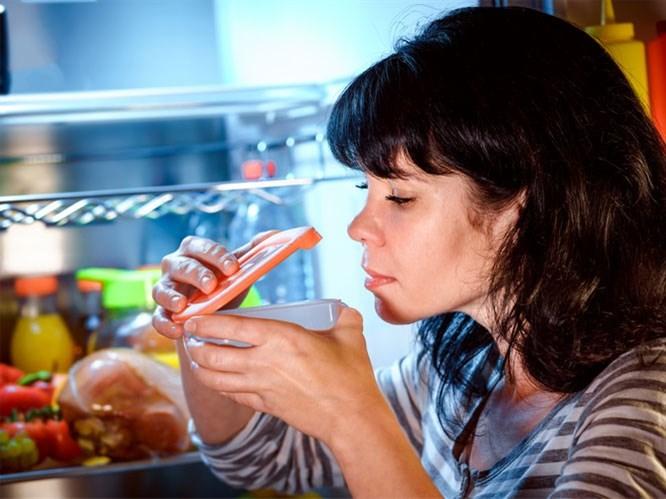 Buzdolabı Kokusu İçin 10 Pratik Yöntem