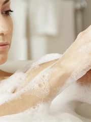 Sabun Mu, Duş Jeli Mi Kullanmalıyız?