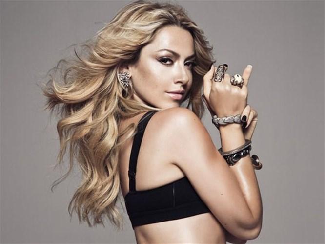 Hadise, Jennifer Lopez'in İzinden Gidiyor