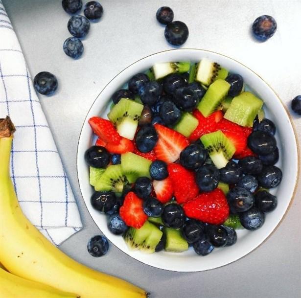 Aç kalıp kilo almak yerine yiyerek kilo verebilirsiniz