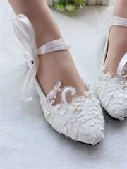 Düğünde Topuklu Ayakkabı Kabusuna Son! Gelinler Artık Daha Özgür!