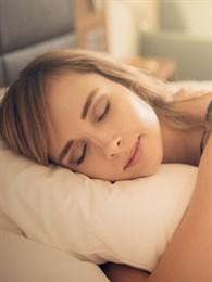 Yüzünüzde Makyaj İle Uyursanız Ne Olur?