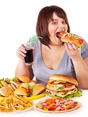 Aşırı Yeme İsteğinin Önüne Bu Yöntemlerle Geçebilirsiniz
