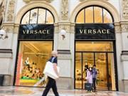 Moda Devi Versace Satılıyor!