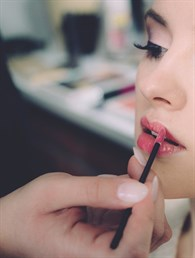 Genç Gösteren Makyaj Teknikleri