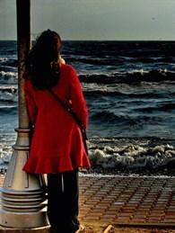 Yalnızlığınızla Barışırsanız Hayat Önünüzde Eğilecektir