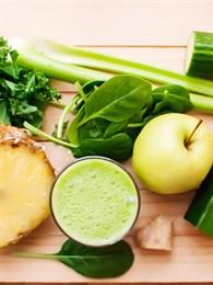 Kilo Vermeye Yardımcı Olan Ananas ve Salatalık Suyu Tarifi