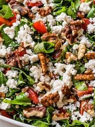 Tok Tutan Kahvaltı Salatası Tarifi